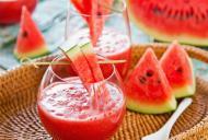 Dieta cu suc de pepene rosu. Scapa rapid de burta si obtine o talie de viespe!