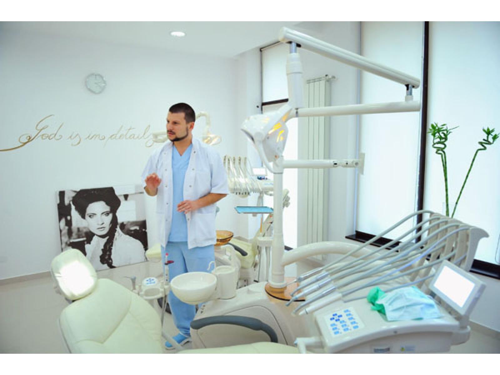 ASCLEPIMED - Clinica Stomatologica de Supraspecialitate - 24.jpg