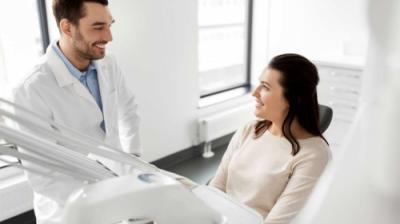 Ce trebuie să cunoască stomatologul despre tine înainte de o procedură dentară?