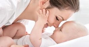 Esentialul despre constipatia bebelusului alaptat la san