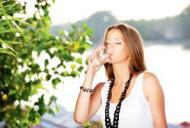 Bautura cu efecte miraculoase care te tine departe de boli! Iata de ce trebuie sa bei in fiecare zi un pahar!