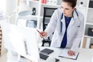 Cancerul gastric:  factori de risc, simptome, tratament