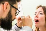 Fenomenul de paralizie a coardelor vocale