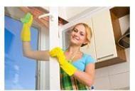 Cum puteti sa slabiti cand faceti curatenie?