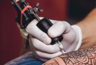 Adevarul despre tatuaje si infectiile asociate. Pot duce la aparitia cancerului?